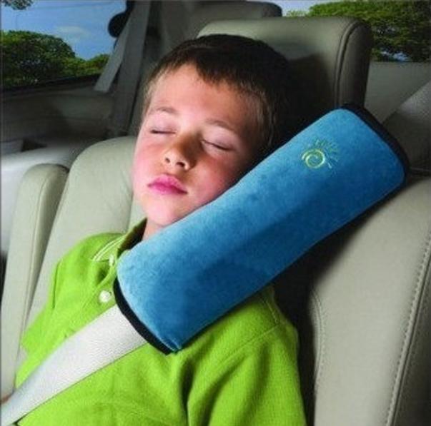 Gối tựa đầu gắn dây an toàn xe hơi ô tô