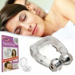 Dụng cụ giảm tiếng ngáy khi ngủ Noseclip