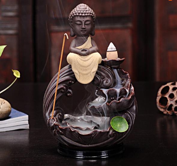 Thác khói trầm hương Phật Thích Ca vi tiếu
