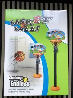 b峄� �峄� ch啤i b贸ng r峄� basketball