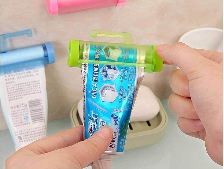 Dụng cụ kẹp kem đánh răng sucker