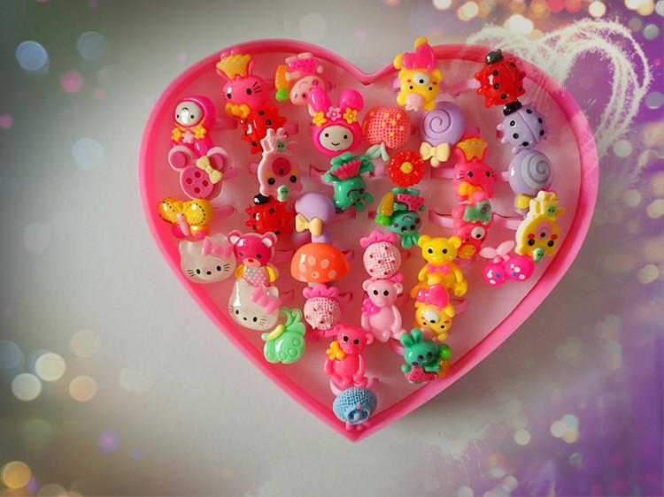 Hộp nhẫn trái tim cho bé