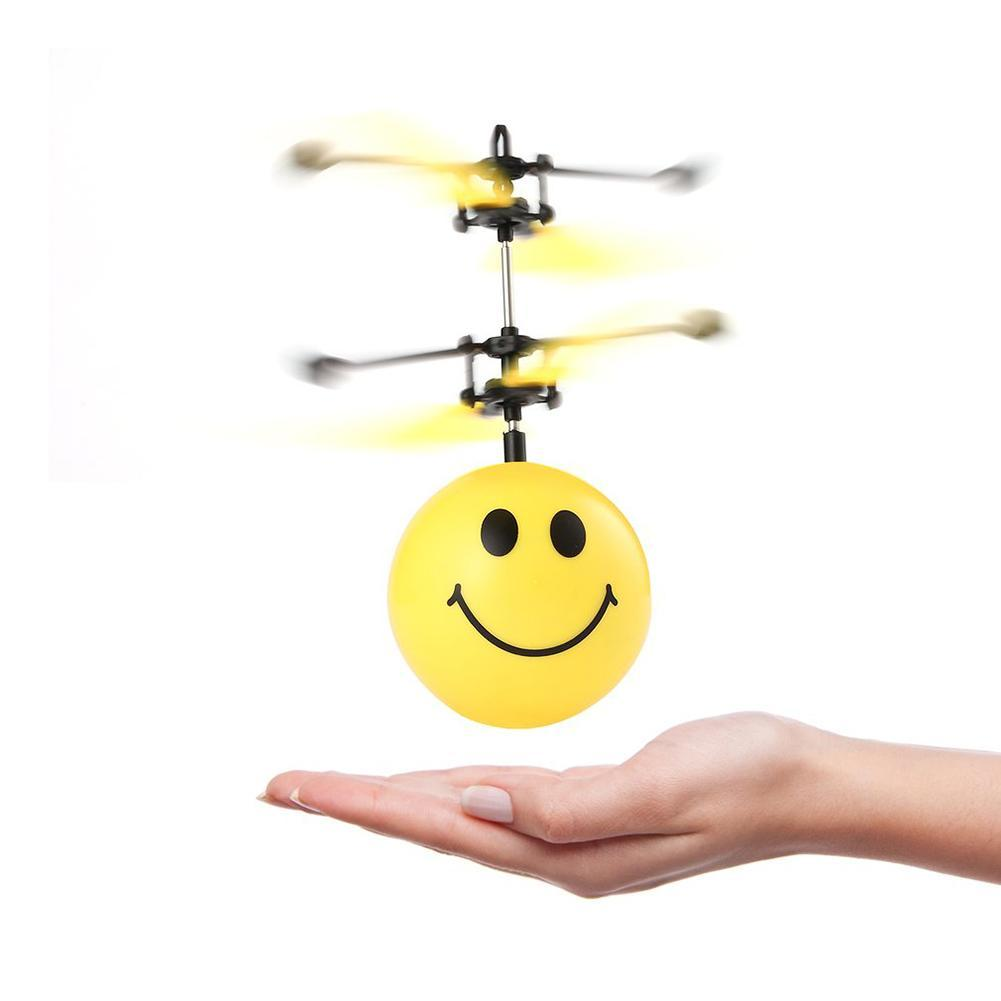 Đồ chơi máy bay cảm ứng mặt cười