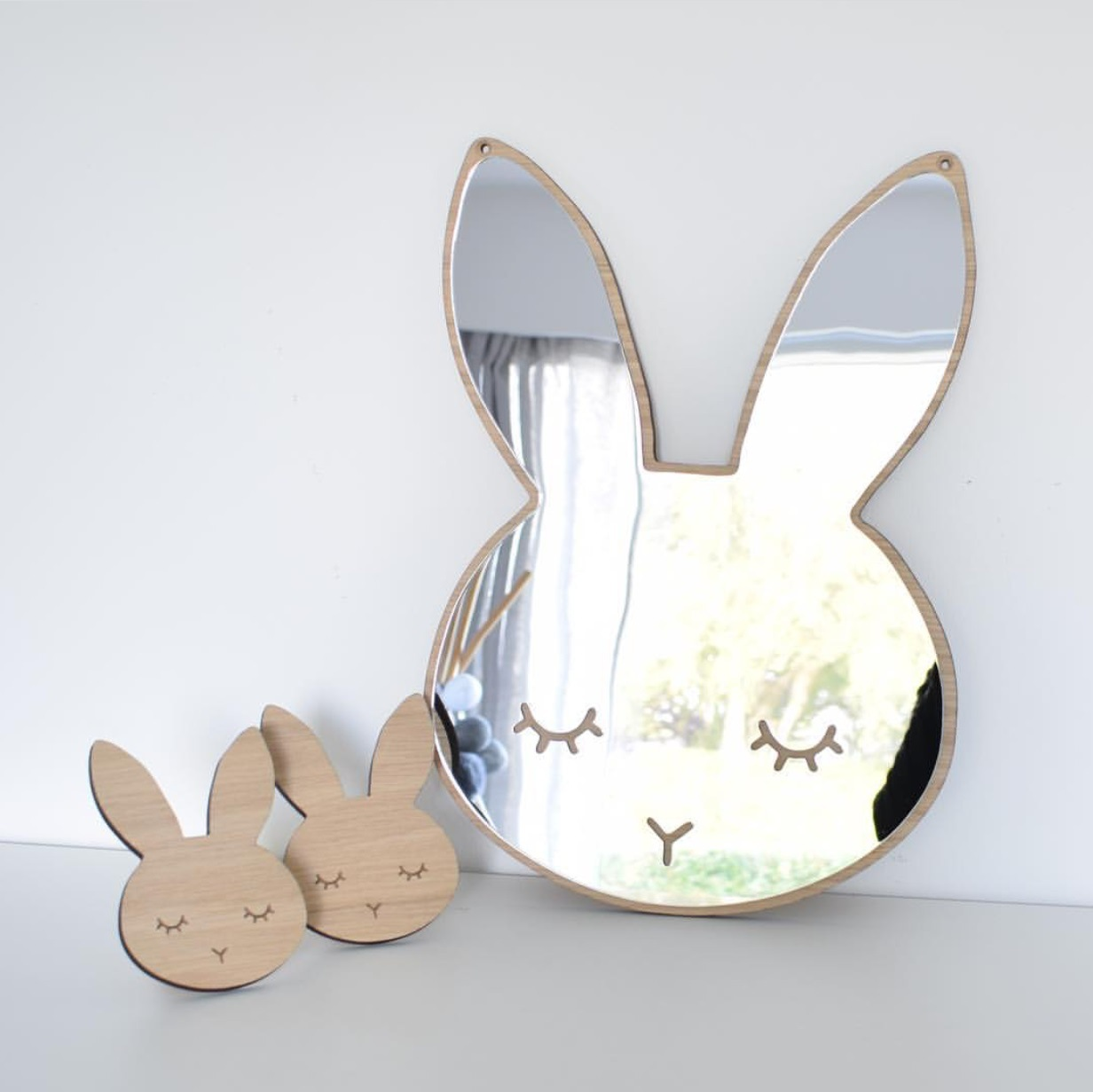 Gương acrylic nhiều hình cho bé