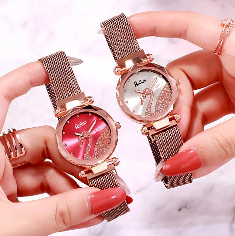 Đồng hồ đeo tay nữ nam châm có hình con thiên nga