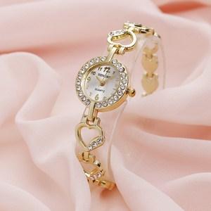 Đồng hồ đính thạch anh Quartz dây hình trái tim