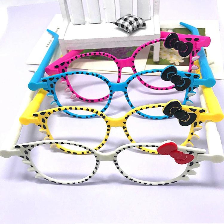 Bút bi hình mắt kính
